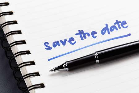 Save The Date Text als Memo auf Notebook Standard-Bild