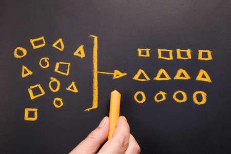 Hand tekening geometrie om te categoriseren op schoolbord Stockfoto