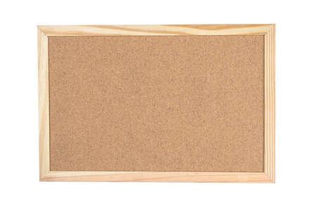Panel de corcho con marco de borde de madera aislado sobre fondo blanco. Foto de archivo