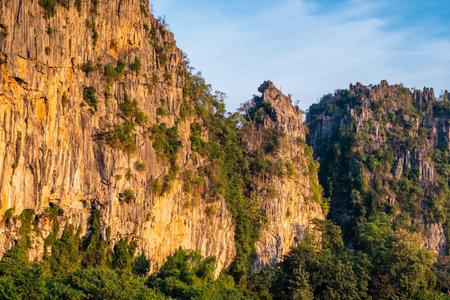 High limestone mountain range, tourist attraction at Noen Maprang district, Phitsanulok, Thailand 版權商用圖片