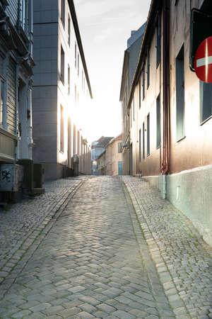 夕焼け、街と建物のノルウェー、トロンハイムの 写真素材