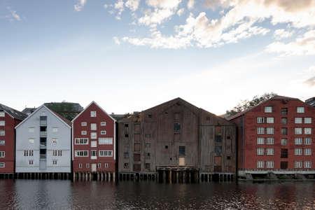 夏のノルウェー、トロンハイムの旧市街