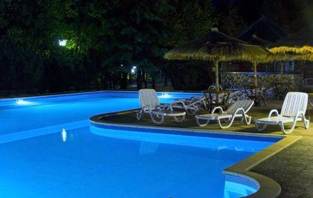 furnishings:  swimming-pool