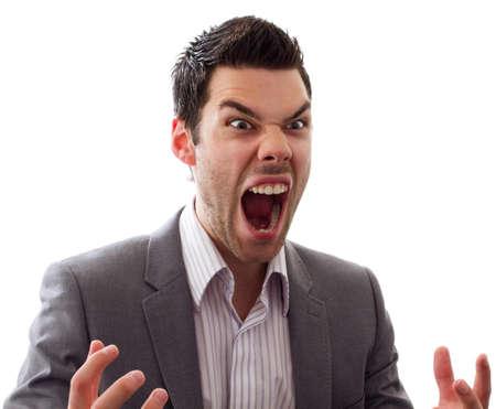 personne en colere: Homme tr�s en col�re en hurlant � haute voix, expression grande