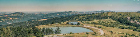 Rainwater resevoir for  watering the livestocks in Northern Apennines, Bologna prvince, Emilia Romagna, Italy Stockfoto