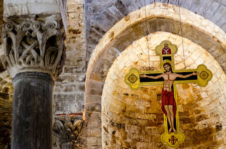 domination: La Iglesia de San Cataldo (fue construido entre 1154 y 1160) es una iglesia de la ciudad siciliana de Palermo Es un ejemplo notable de la Ar�bigo - arquitectura de Norman, que floreci� en Sicilia bajo la dominaci�n normanda de la isla.