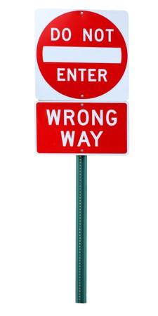 Verkeerde manier doe-niet-voer verkeersbord geïsoleerd op wit Stockfoto