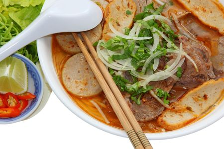 Hue Beef and Pork Rice Vermicelli with vegetable Imagens