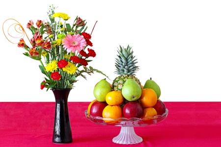 przodek: Kwiaty i owoce dla nadrzędnego rocznicy w nowy rok księżycowy