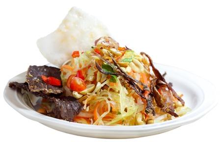 A scatti di manzo con insalata di verdure e rosted torta di riso Archivio Fotografico - 8736078