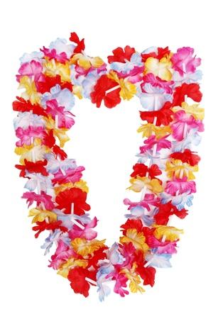 白い背景上に分離されてカラフルなハワイアン レイの花