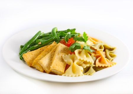 Stir Fry tri-color Farfalle with tofu and green bean