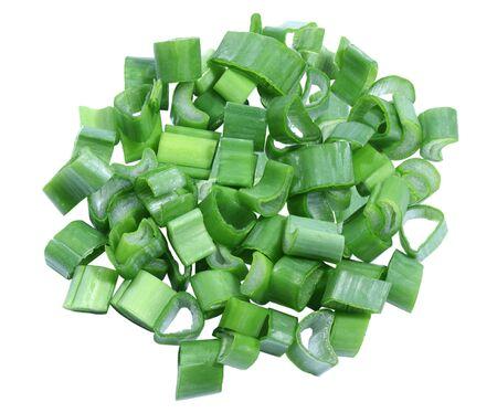 cebollin: Pila de cebolla verde picada aislada en el fondo blanco Foto de archivo