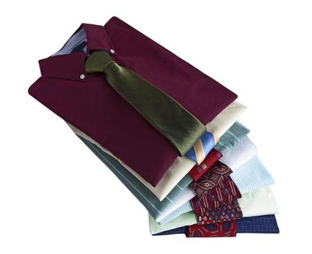 dry cleaned: Mucchio di camicie con cravatte isolato su sfondo bianco Archivio Fotografico