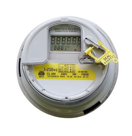 contador electrico: Vista frontal del medidor el�ctrico aislado en el fondo blanco Foto de archivo