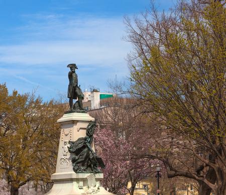 WASHINGTON, DC - April 06, 2018: Statue of Major General Comte Jean de Rochambeau located in Lafayette Square, District of Columbia, United States 新聞圖片