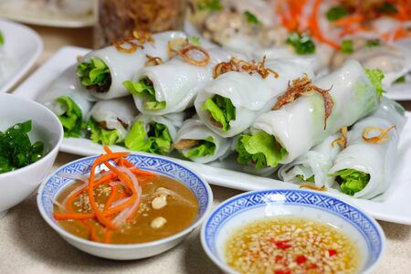 Vietnamese Steamed Rice Roll with Grilled Beef 版權商用圖片