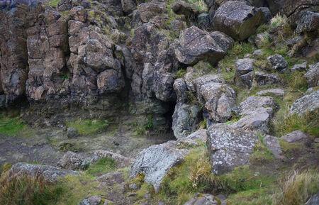 cesspool: Stone cave in Edinburgh, Stone texture, Uk