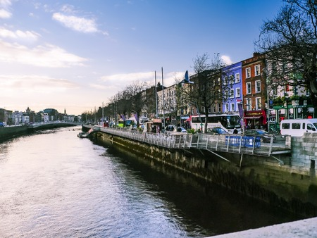 trafic: View of river in Dublin street trafic