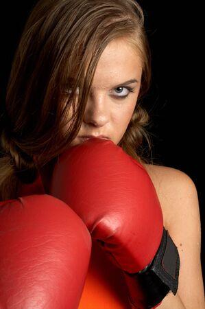 tough: Boxeo ni�a en camisa naranja  Foto de archivo