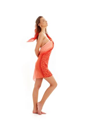 ni�a desnuda: muchacha desnuda con el fondo rojo del blanco del excedente del sarong