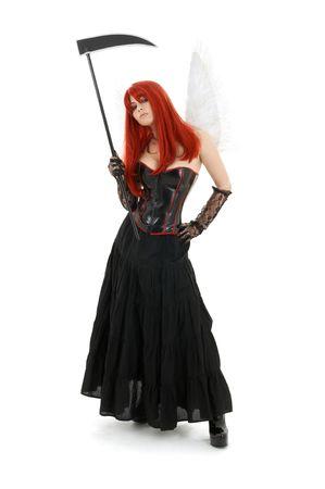 scythe: Adorable redhead �ngel con alas y guada�a
