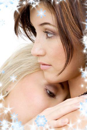 sexuality: Foto �ntimo de dos ni�as encantadoras caricias