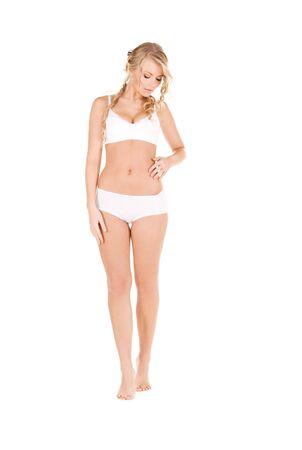 femme en sous vetements: image de la jolie femme en coton blanc sous?v�tements