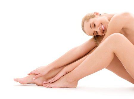 mujer desnuda sentada: Foto de mujer desnuda saludable sobre blanco