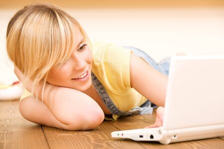 picture of teenage girl with laptop computer Stock Photo - 7280158