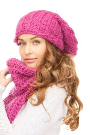 warm clothes: immagine di una bella donna in inverno cappello