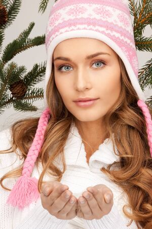 picture of beautiful woman in winter hat Stock Photo - 8335022