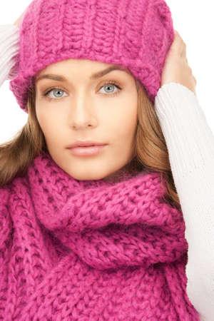 ropa de invierno: imagen de hermosa mujer de sombrero de invierno