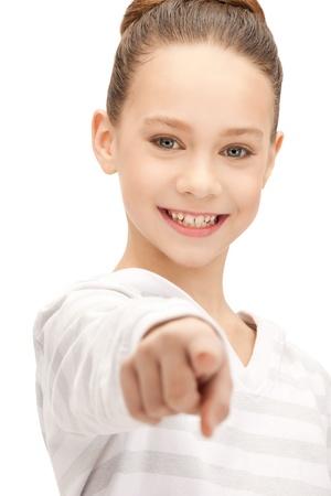 ragazza che indica: foto di ragazza adolescente che punta il dito