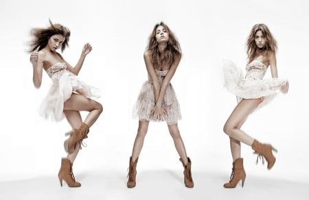 ファッション: 異なる姿勢で同じファッションモデルのトリプル イメージ