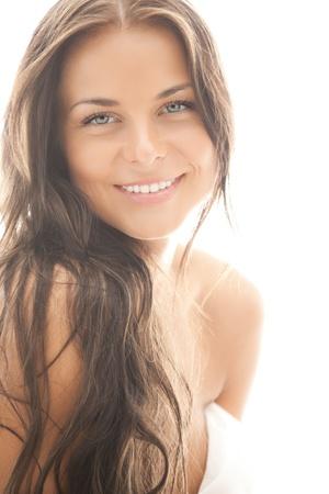 schöne frauen: helle Nahaufnahmeportrait Bild der schönen Frau Lizenzfreie Bilder