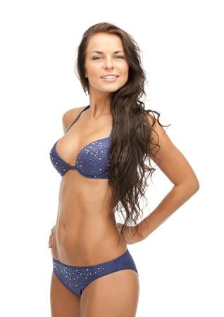 cuerpo femenino perfecto: brillante imagen de hermosa mujer en bikini