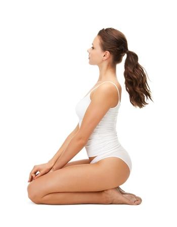 cuerpo femenino perfecto: Foto de mujer hermosa en undrewear algodón