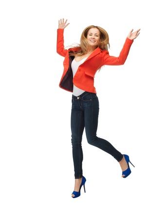 tacones: imagen de ni�a saltando adolescente en ropa casual