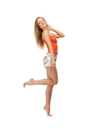 piedi nudi di bambine: foto di bella donna in abiti casual