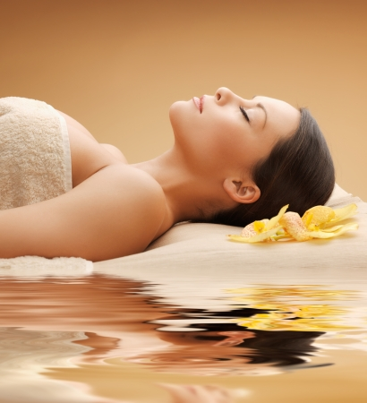 spa therapy: picture of beautiful woman in spa salon