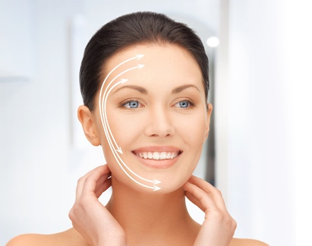 arrugas: imagen de hermosa mujer preparada para la cirug�a est�tica Foto de archivo