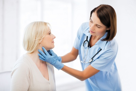 건강, 의료 및 성형 수술의 개념 - 환자와 성형 외과 의사 또는 의사