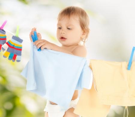 helder beeld van schattige baby was doen Stockfoto