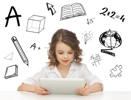 niños platicando: la educación, la tecnología y el concepto de Internet - bella joven estudiante jugando con tablet pc Foto de archivo
