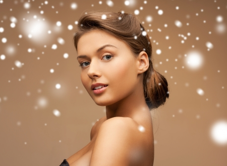 young girl naked: health and beauty concept - clean face of beautiful young woman