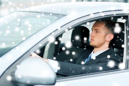 profesionálové: doprava a vozidlo koncepce - podnikatel řízení auta
