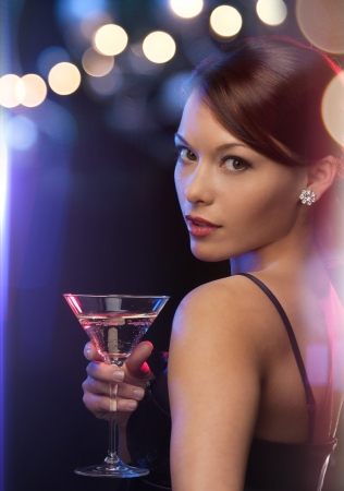 Stock fotó - luxus, VIP, <b>éjszakai élet</b>, fél koncepció - gyönyörű, nő, ... - 22803415-luxus,-vip,-%25C3%25A9jszakai-%25C3%25A9let,-f%25C3%25A9l-koncepci%25C3%25B3---gy%25C3%25B6ny%25C3%25B6r%25C5%25B1,-n%25C5%2591,-est%25C3%25A9lyi-ruha,-kokt%25C3%25A9l