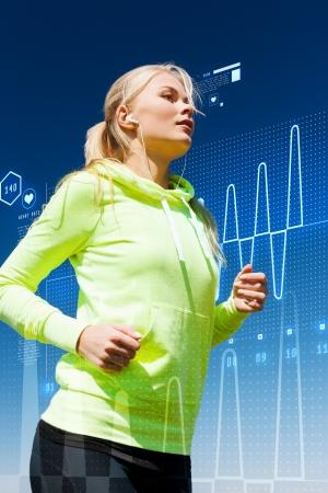 스포츠, 피트니스, 운동 및 생활 양식 개념 - 여자 야외 이어폰으로 실행하고 스톡 콘텐츠