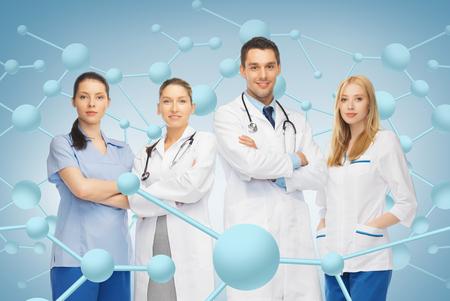 estudiantes medicina: cuidado de la salud, la investigación, la ciencia, la química y la medicina concepto - equipo joven o grupo de médicos